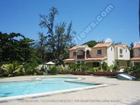 apartment_les_badamiers_mauritius_swimming_pool_view.jpg