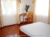 guest_house_les_palmiers_chamarel_mauritius_double_bedroom_view.jpg
