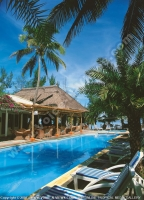 2_star_hotel_les_cocotiers_hotel_pool.jpg