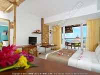 laguna_beach_hotel_and_spa_mauritius_double_bedroom_with_balcony.jpg