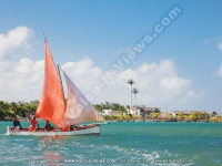 laguna_beach_hotel_and_spa_mauritius_sea_view_and_fishermen_in_their_sailing_boat.jpg