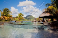 laguna_beach_hotel_and_spa_mauritius_swimming_pool_and_mountain_view.jpg