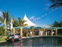 3_star_hotel_le_coco_beach_hotel_entrance.jpg