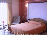 3_star_hotel_pearl_beach_hotel_room.jpg