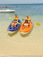 le_recif_hotel_mauritius_family_doing_kaying.jpg