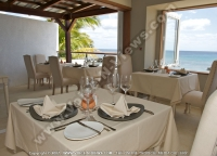 le_recif_hotel_mauritius_restaurant_set_up_and_sea_view.jpg