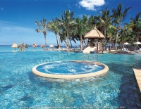 4_star_hotel_la_pirogue_hotel_pool.jpg