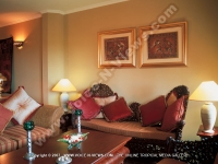 maritim_hotel_senior_suite_living_room.jpg