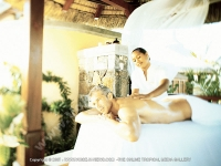 les_pavillons_hotel_mauritius_guest_at_the_spa_massage_room.jpg