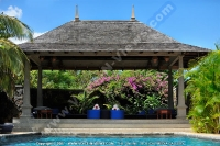 maradiva_villas_resort_and_spa_hotel_mauritius_relaxation_kiosk_next_to_the_pool.jpg