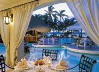 5_star_hotel_one_and_only_le_saint_geran_hotel_la_terrasse_restaurant.jpg