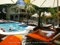 general_view_of_the_pool_standard_hotel_pereybere_mauritius_ref_183.jpg