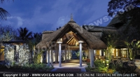 le_canonnier_hotel_mauritius_common_area_at_night.jpg