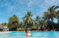 le_canonnier_hotel_mauritius_couple_in_swimming_pool.jpg