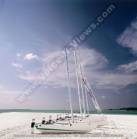 kanuhura_resort_maldives_catamaran.jpg
