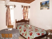 les_bougainvillers_apartments_mauritius_single_room.jpg