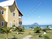 bed_and_breakfast_superior_beach_apartment_la_preneuse_ref_164_mauritius_side_garden_and_sea_view.jpg