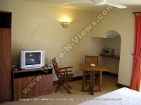 superior_beach_apartment_la_preneuse_ref_164_television_room.jpg