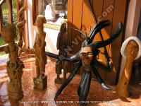 chamarel_craft_shop_sculpture.jpg