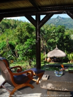 general_view_of_the_garden_and_the_terrance_premium_mountain_chalets_chamarel_mauritius_ref_159.JPG