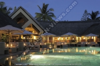 royal_palm_hotel_mauritius_common_area_and_swimming_pool_view_at_night.jpg