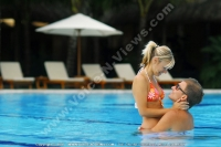 shandrani_resort_and_spa_hotel_mauritius_couple_in_swimming_pool.jpg