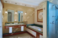 shandrani_resort_and_spa_hotel_mauritius_family_apartment_bathroom.jpg