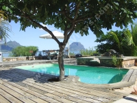 general_view_of_morne_and_the_pool.jpg