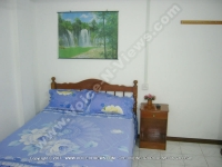 standard_guesthouse_ref_181_bedroom_suite.JPG