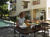 superior_apartment_black_river_mauritius_ref_119_breakfast_outside.JPG