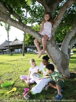 tamassa_hotel_mauritius_kids_club_telling_story_under_tree.jpg