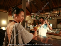 tamassa_hotel_mauritius_lady_at_the_bar.jpg