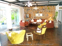 beach_villa_patricia_mauritius_living_room_and_balcony_view.jpg