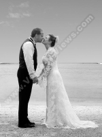 voile_dor_hotel_mauritius_wedding_picture_on_the_beach.jpg