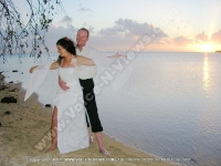 wedding_at_ile_aux_fourneaux_couple_and_sunset_view.jpg