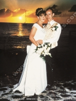 wedding_at_maritim_hotel_mauritius_just_married_couple_and_sunset_view.jpg