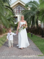 honeymoon_and_wedding_of_peter_gonzi_and_jenny_mauritius_le_meridien_hotel.jpg