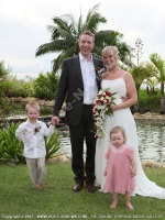mauritius_wedding_of_peter_gonzi_and_jenny_and_children.JPG