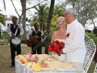 wedding_and_honeymoon_in_mauritius_shanon_and_nicolas_after_ceremony.jpg