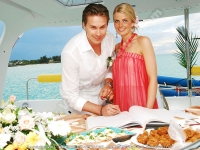 wedding_on_maeva_catamaran_mauritius_just_married_couple.jpg