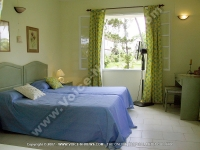 beach_villa_hibiscus_room_mauritius_single_bedroom_view.jpg