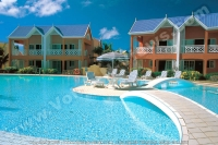 3_star_calodyne_sur_mer_hotel_swimming_pool.jpg