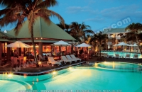 3_star_hotel_veranda_hotel_pool_at_night.jpg
