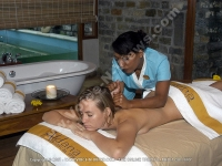 movenpick_resort_and_spa_hotel_mauritius_young_and_beautiful_lady_having_massage_at_aldana_spa.jpg