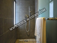 mauritius-apartments-pereybere-shower.jpg