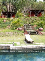 lodge_lakaz_chamarel_mauritius_pool_view_in_front_of_the_lodge.jpg