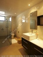 standard_studio_apartment_grand_bay_mauritius_ref_109_bathroom_with_shower_and_toilet.jpg