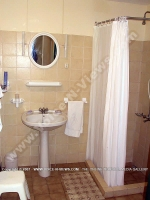 beach_villa_aigrettes_mauritius_bathroom_view.jpg