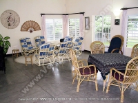 beach_villa_aigrettes_mauritius_livingroom_and_dining_room_view.jpg